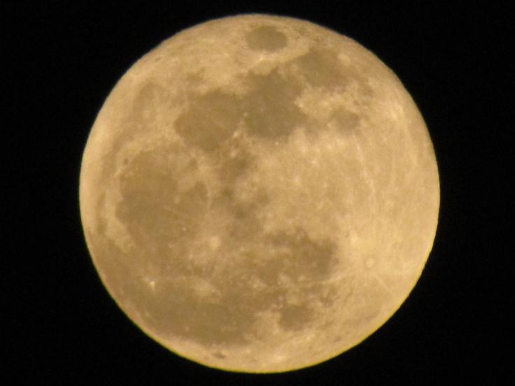 Luna del 28 de Noviembre del 2012 desde Cuernavaca, Morelos.  --- 03