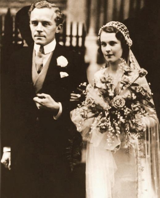 Vivien Leigh on her wedding day to Leigh Holman, 1932