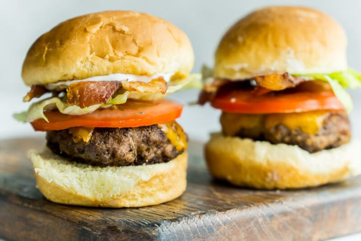 BBQ Ready Bacon Ranch Beef Sliders These bacon ranch hamburger sliders are so good! Just grill up mini hamburgers on the grill top with great burger toppings and serve to a hungry crowd!