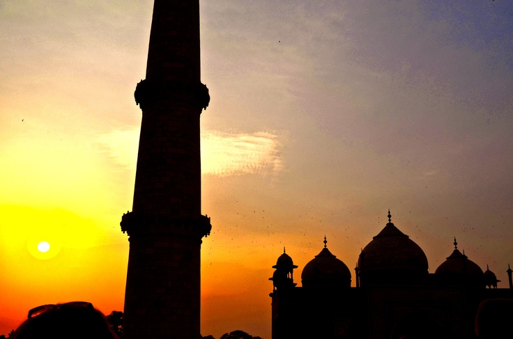 Taj Mahal / Sun set / India