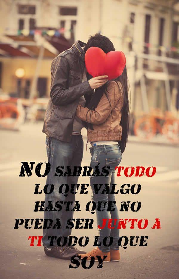 Enamorados besandose