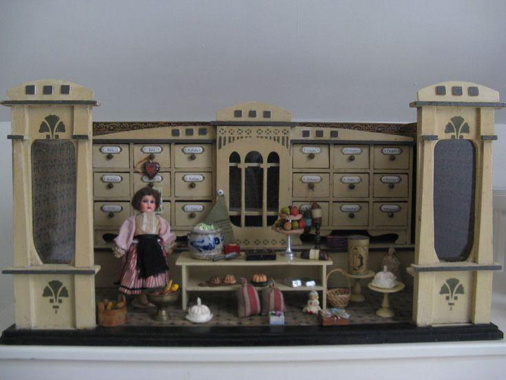An antique and rare original Moritz Gottschalk dollhouse / shop 1910... #MoritzGottschalkdollhouse