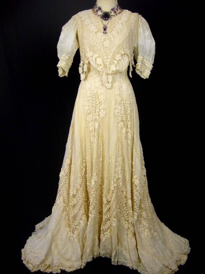 13 best 1800s Lady dresses images on Pinterest | Victorian ...