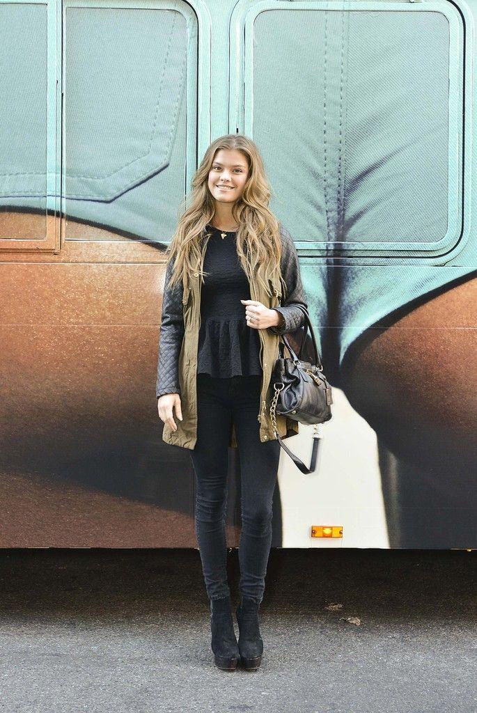 Nina Agdal Photos - Nina Agdal Hosts a Tour of Manhattan - Zimbio