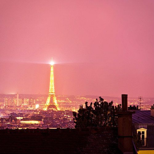 Darling, A pink sky. Perfect for the Pink Room. Let's frame this pic and then go to Paris, OK?..