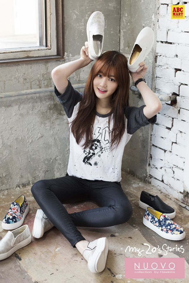 'Pinocchio' actress Lee Yoo-bi models for spring shoes collection @ HanCinema :: The Korean Movie and Drama Database