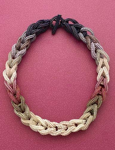 Link to creativity: necklace, herringbone stitch (Download Now)