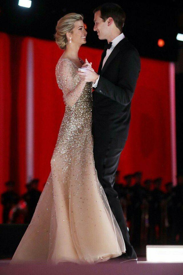 Фото дня: Иванка Трамп с мужем на инаугурационном балу Liberty.