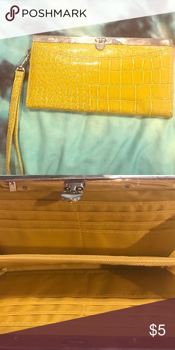 Lime green clutch! Lime Green clutch Bags Clutches & Wristlets