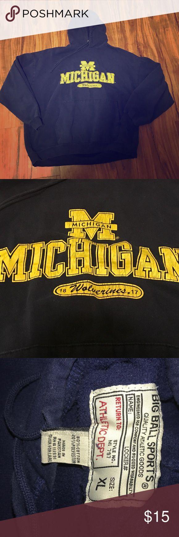 Michigan Wolverines hoodie Navy hoodie with fleece lining big ball sports Shirts Sweatshirts & Hoodies