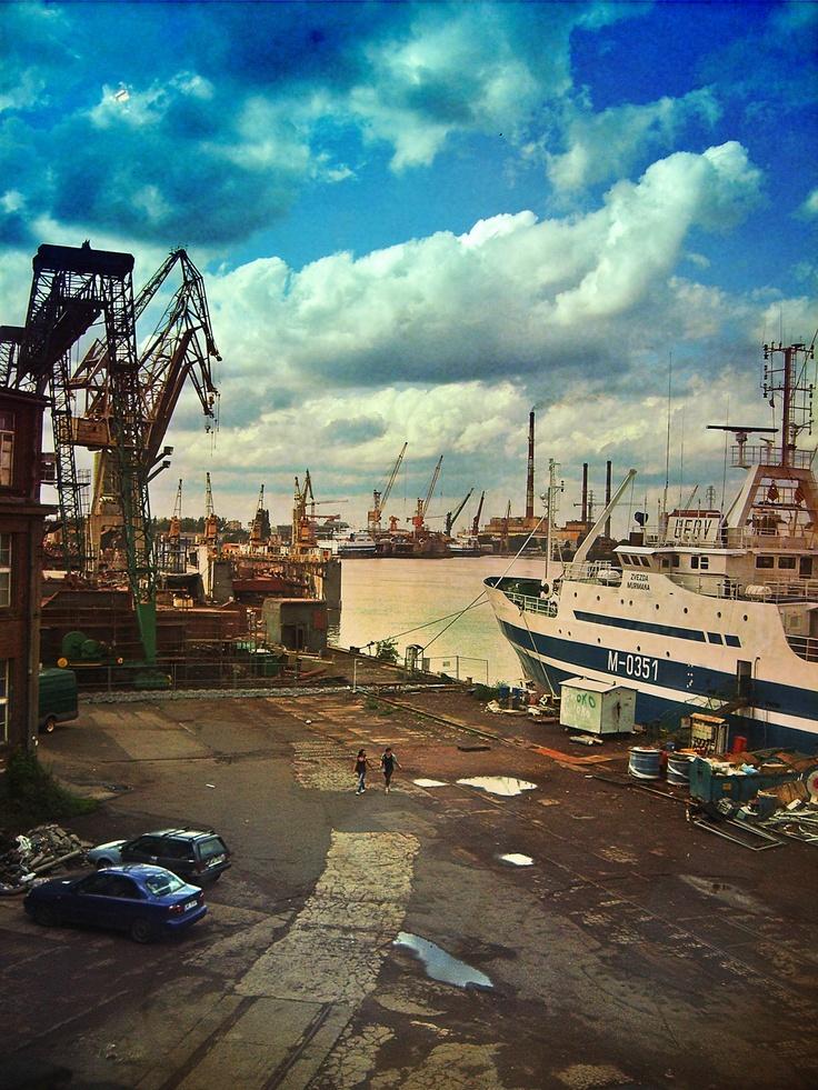 shipyard in #Gdansk    #ilovegdn