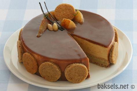 """Deze taart komt uit een Noors boek: """"Slikkepott"""" geschreven door Lise Finckenhagen. Zij is een Noorse kok, maar dat ze ook erg goedkan bakken blijkt uit dit boek. Alles dat ik tot nu toe uit dit boek heb gemaakt is ónt-zet-tend lekker. Het gebruikt van kruiden in combinatie met fruit is in de Noorse keuken …"""