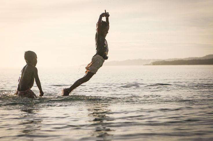 Questa estate è letteralmente volata! Immagino che i tuoi bambini si siano divertiti a fare tuffi al mare e a giocare sulla sabbia.   Io ho scattato tantissime fotografie in spiaggia. Molte le puoi trovare su www.fotografobambini.it.  Ne vorresti un paio anche tu? Sei ancora in tempo per realizzare un servizio fotografico sulla spiaggia. Approfittiamo del caldo e della quiete di queste ultime settimane per scattare bellissime fotografie in spiaggia <3