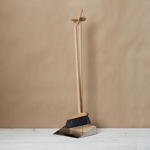 This broom and dustpan set would make Spring cleaning a little more fun...