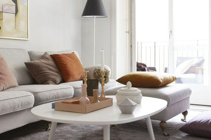 Inspiration för att göra det hemtrevligt med en grå soffa i vardagsrummet :)
