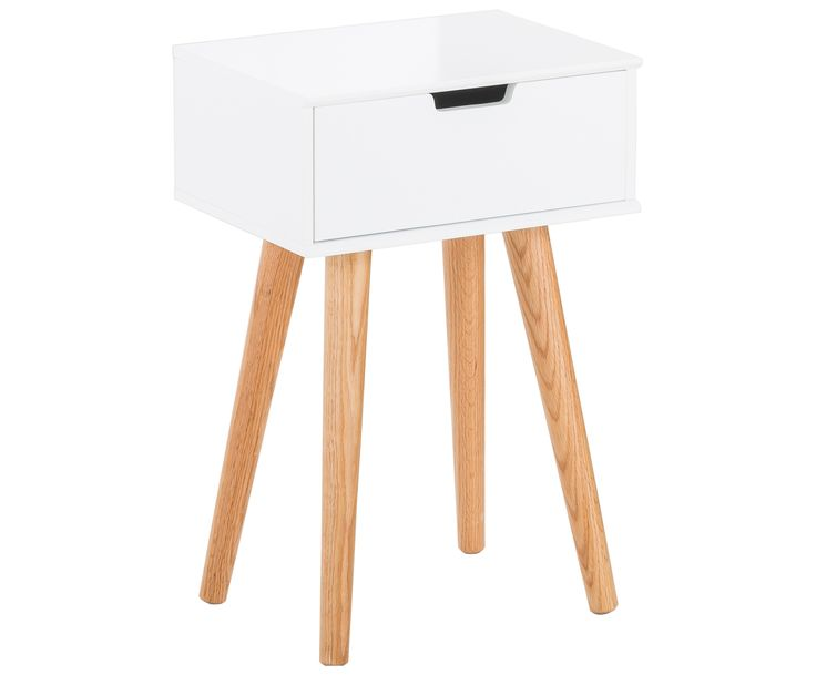 Beistellschrank Mitra in Weiß sorgt für einen entspannten Schlaf. Shoppen Sie weitere Möbel für Ihr Schlafzimmer auf >> WestwingNow.
