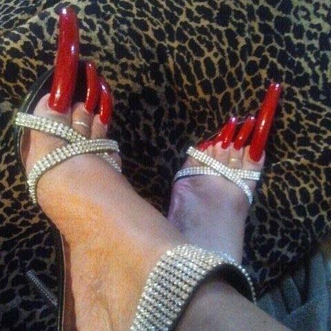 Long Toenails And High Heels 👠😍🔥 Toenails In 2019 Long Toenails Long Nails Toe Nails