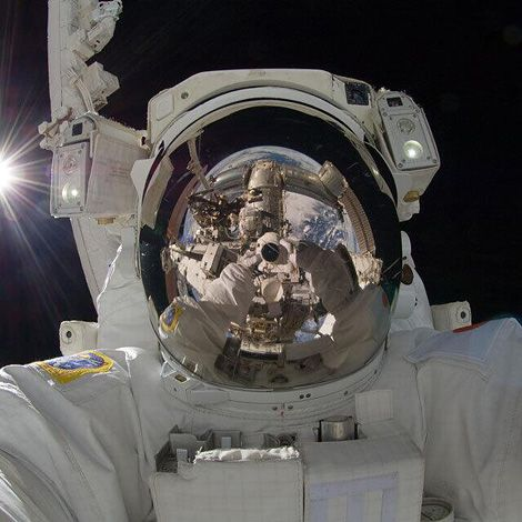 [CasaGiardino]  ♡  Selfie of the week...taken at the International Space Station by astronaut Aki Hoshide from Japan.