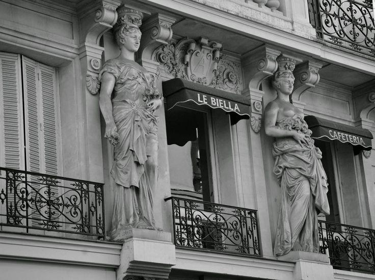 Caffe on Montmartre