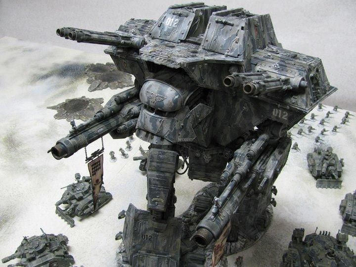 This is a Titan, a Warhound to be precise. It is one of the most realistic models I have ever seen. This is definitely a favorite.40K Warhound, Warlords Titanic, Warhammer 40 000, Warhammer Giants, 40K Miniatures, Warhammer 40000, Warhound Titanic, Warhammer Terrain, Warhammer 40K