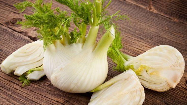 Combatti il gonfiore addominale con gli alimenti che ti suggeriamo e con questi piatti pensati per te, anti-gas, anti-stipsi, drenante e anti-fermentazione.