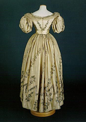 Ivory silk dress with silvery embroidery, Italy 1825-1830.