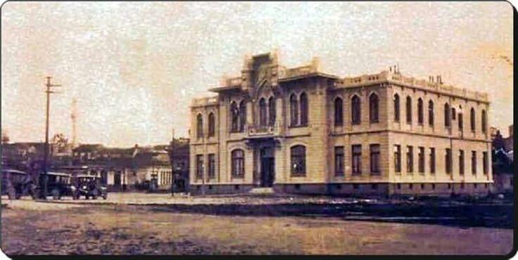Kadikoy Belediye binasi, 1930lar