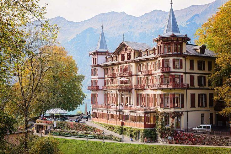Grand Hotel Giessbach is a romantic hotel overlooking Lake Brienz. Ideal for wedding celebrations. #switzerland #swissalps #swissweddings #swisswedding #swissweddingphotographer #destinationwedding #destinationweddingphotographer #grandhotel #giessbach #brienz