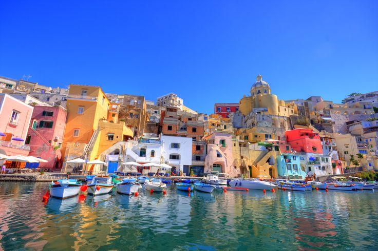 ローマやミラノなど、有名な街が多いイタリア。ですが、イタリアにはまだまだ皆さんの予想を上回るような絶景がたくさんあるんです!これを見ればイタリアに行きたくなること間違いなし!