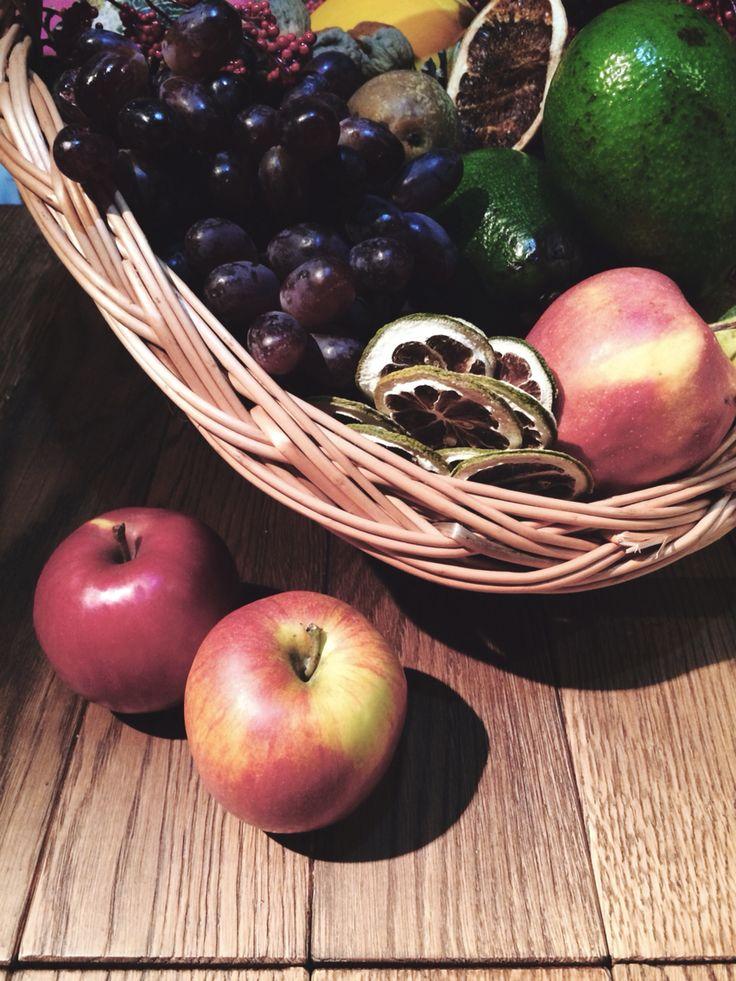 Owoce, jabłka, gruszki, winogrona, jesień