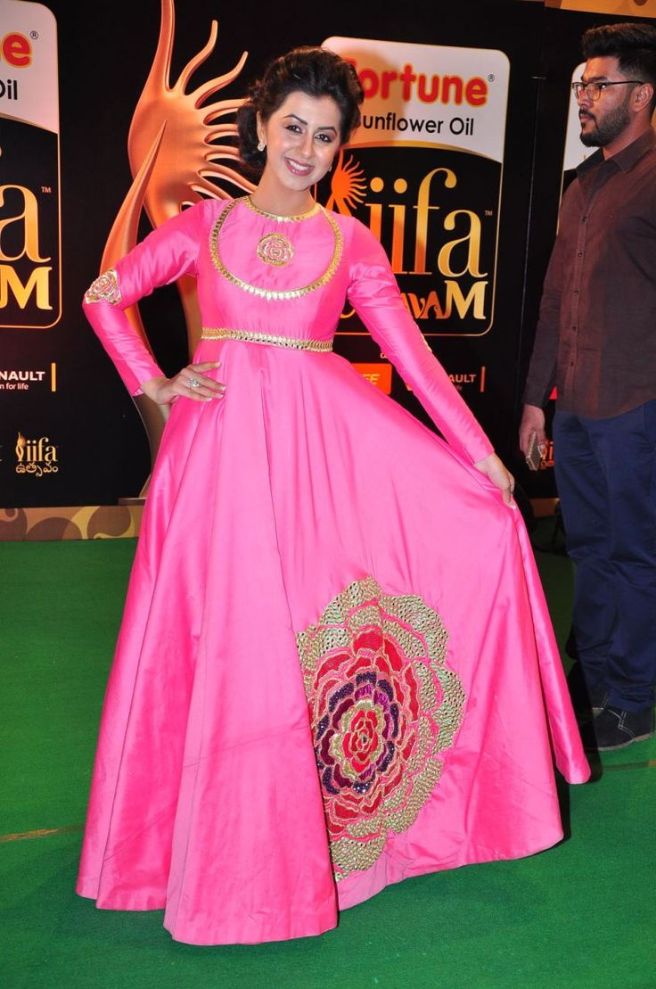 nice Nikki Galrani at IIFA Utsavam awards 2016