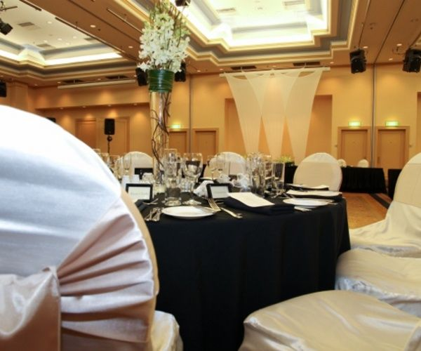 Stunning Wedding Reception at The Hotel Grand Chancellor on Hindley
