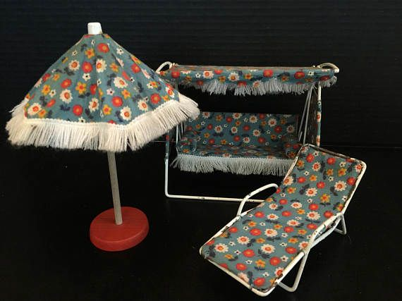 Vintage German Bodo Hennig MCM Patio Set | 1960s Germany Dollhouse Miniatures | Mid Century Modern Glider Umbrella Lounge Chair |-matching floral patio set by Bodo Hennig was made in the 1960s in Germany and is in good vintage condition. The set includes a a glider, lounge chair and umbrella. The scale is 1:10. Z