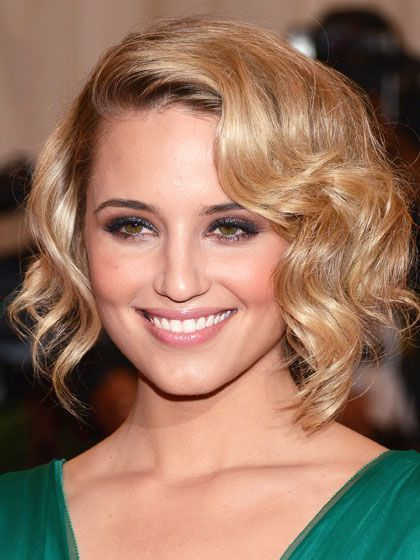 Dianna Agron curled, sculpted faux bob with rosy cheeks and mauve eyeshadow| allure.com