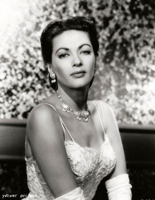 Yvonne De Carlo, 1956