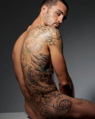 I don't know if it's his back or the tattoos that get me! O how my panties would drop!