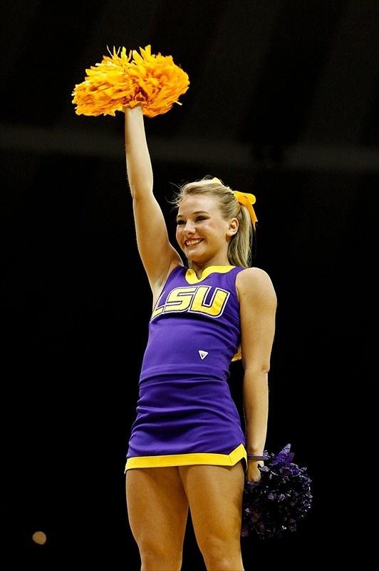 LSU Tigers Cheerleader photo gallery