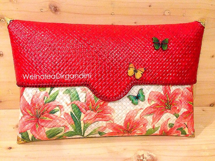 Casablanka in red Woven clutch with decoupage