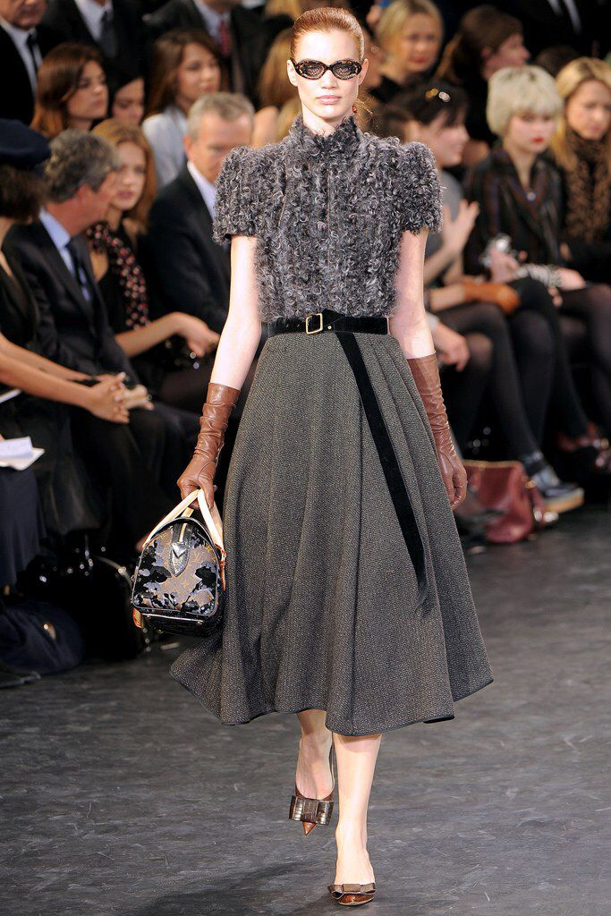 Louis Vuitton Fall 2010 Ready-to-Wear Fashion Show Collection