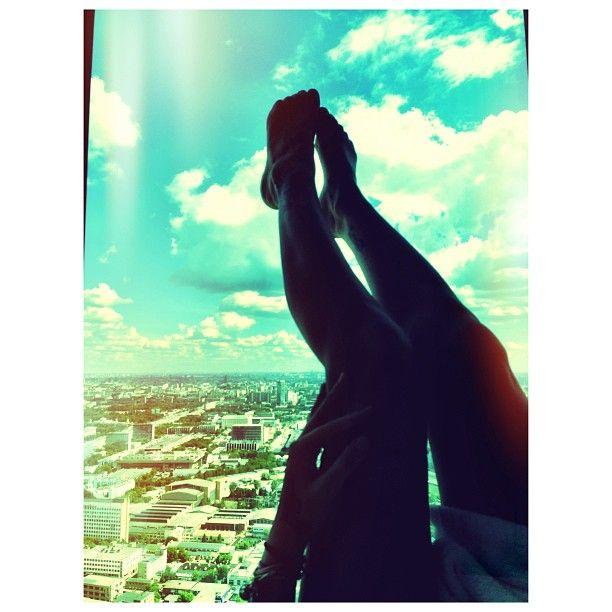 """@aizadolmatovaaa's photo: """"Спасибо большое @triumphpalace за предоставленный номер люкс Париж для нашего #фотодень с Кей @ratundalova ) ПС а вообще в этом номере охота больше хулиганить а не фоткаться)) мяууу """""""