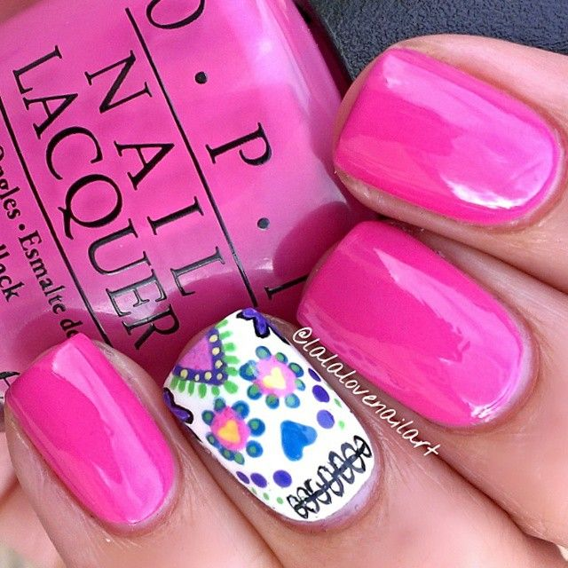 Sugar Skull Accent on Hot Pink Nails