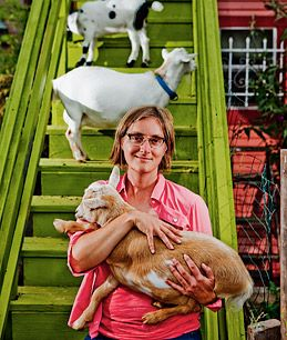 Nigerian Dwarf Goats - Great resource for information on keeping and raising goats. She is an awesome urban farmer!