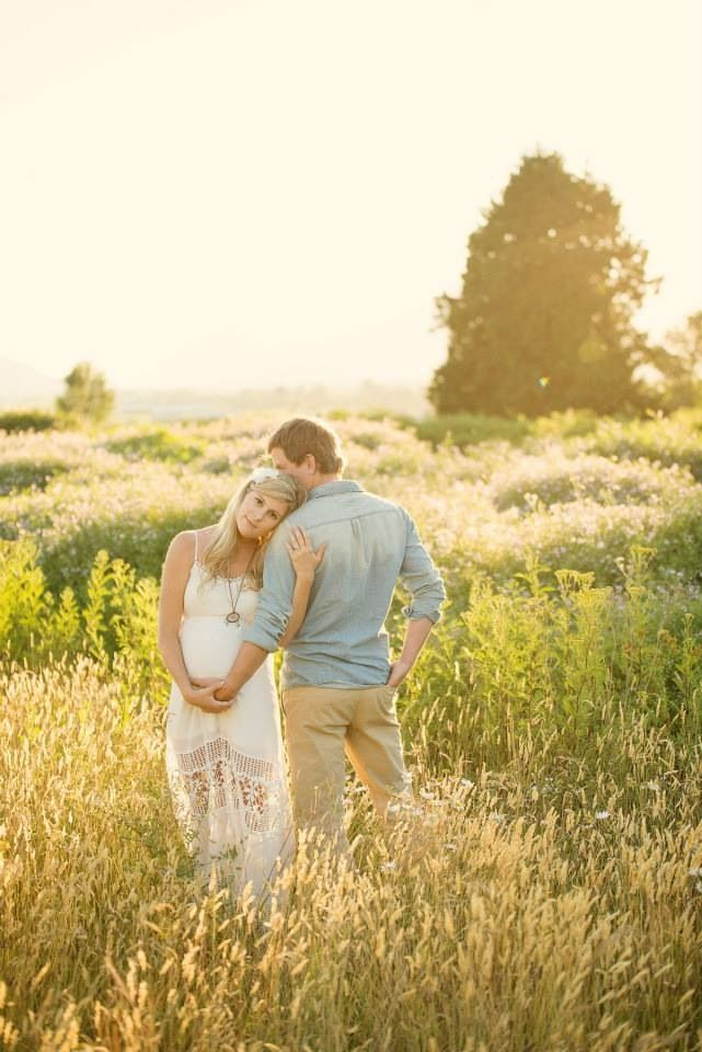 Maternity photoshoot golden hour summer sunshine white dress hippie boho bohemian maternity photos
