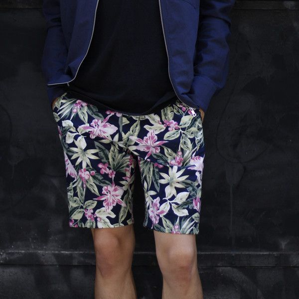 Summer Statement Floral Shorts | URBANE CONVICTION - Too stylish to make small talk, let your fearless floral print design do the talking! 40% Cotton, 50% Linen, 10% Rayon. Summer-liscious!