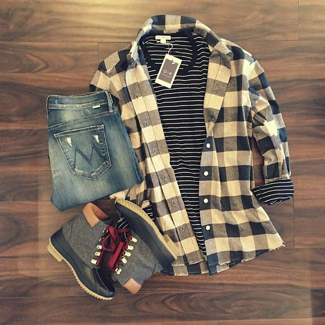 Flannel...another reason to love fall. #weekendvibes #comfycozy #sharethelex