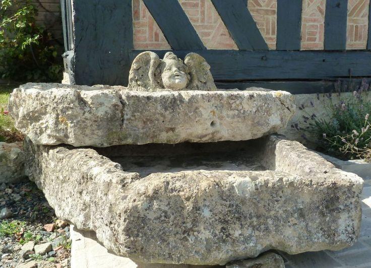 Double fontaine ancienne en pierre naturelle fontaine en for Fontaine bassin a poisson