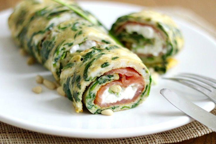Koolhydraatarme spinazie omelet wrap met zalm | Freshhh