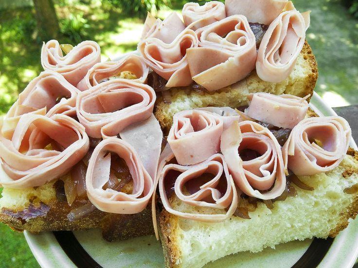 Tornati dalle #vacanze? È d'obbligo un #apericena di bentornato ! Vi do qualche idea per un ricco e originale #buffet !! 7 #stuzzichini tutti per voi! Numero 4: #crostoni toscani di #mortadella e #marmellata di #Tropea http://www.kitchengirl.it/sette-giorni-in-tavola/rientrati-tutti-dalle-vacanze-e-dobbligo-un-apericena-di-bentornato/ #mortazza #panetoscano #kitchengirl #tacchiepentole #ricetta #cucina #amicincucina #cucinaitaliana #ricetteperpassione #aperitivo_italiano #dolce_salato_itali
