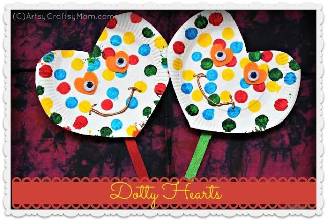 Artsy Craftsy Mom: Valentine's Crafts- Dotty paper Plate Heart