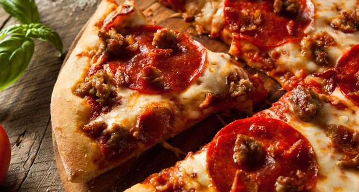 Find the top pizza restaurants serving the best pizza in Delhi NCR with Redfoodie.